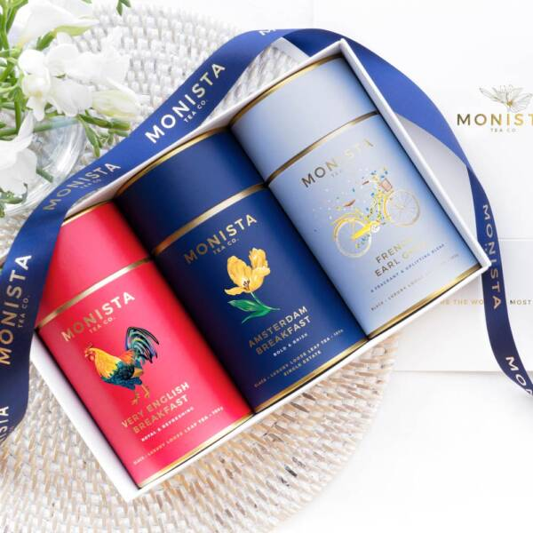 Monista gift box with black tea
