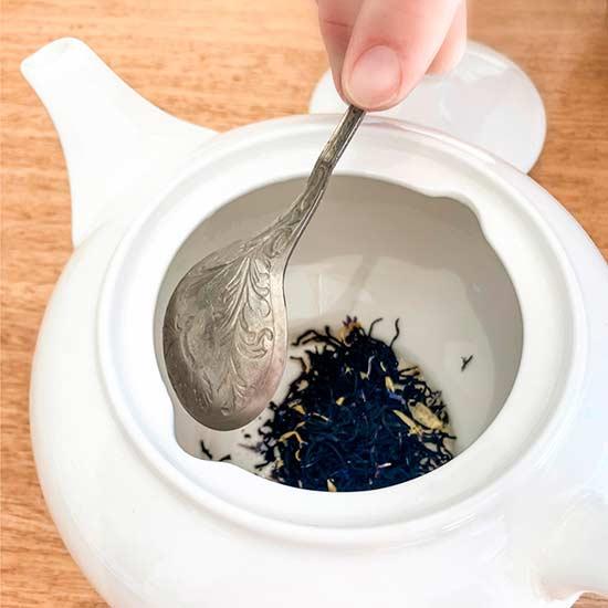 Putting Loose Leaf Tea in teapot